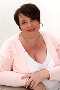 A Warriner To Tempt Her - Author Pic